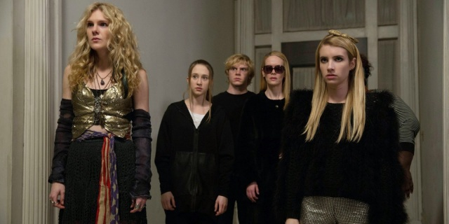 American Horror Story - the Coven - Lily Rabe, Taissa Farmiga, Evan Peters, Sarah Paulson, Emma Roberts