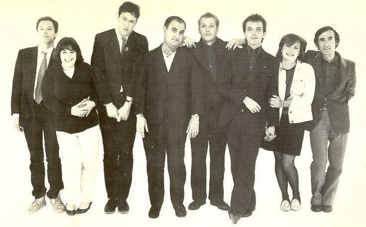The Comic Strip - Peter Richardson, Dawn French, Nigel Planer, Alexei Sayle, Adrian Edmondson, Rik Mayall, Jennifer Saunders et Arnold Brown (Trevor Rogers)