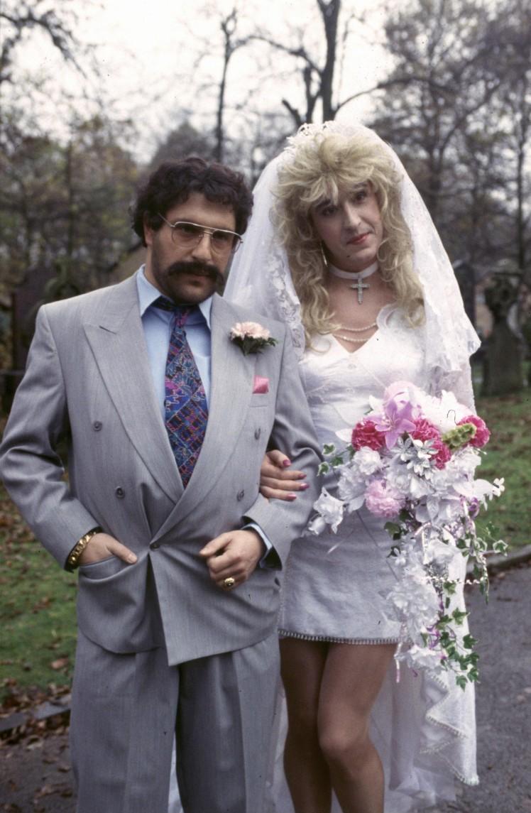 Pauline Calf's Wedding Video - Spiros (Patrick Marber) et Pauline (Steve)